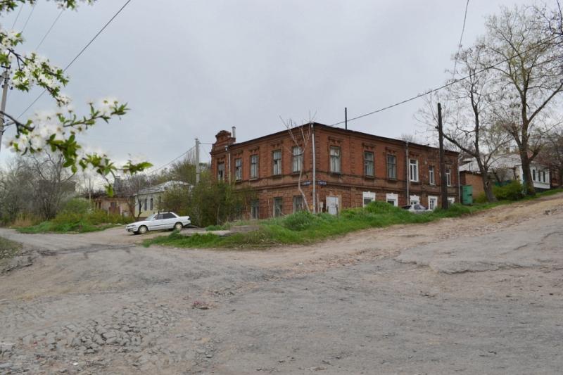 Ул. Кавказская, 118 / ул. Атаманская, 19