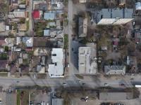 Новые трехэтажные дома на пересечении Щорса и 26 Бакинских комиссаров