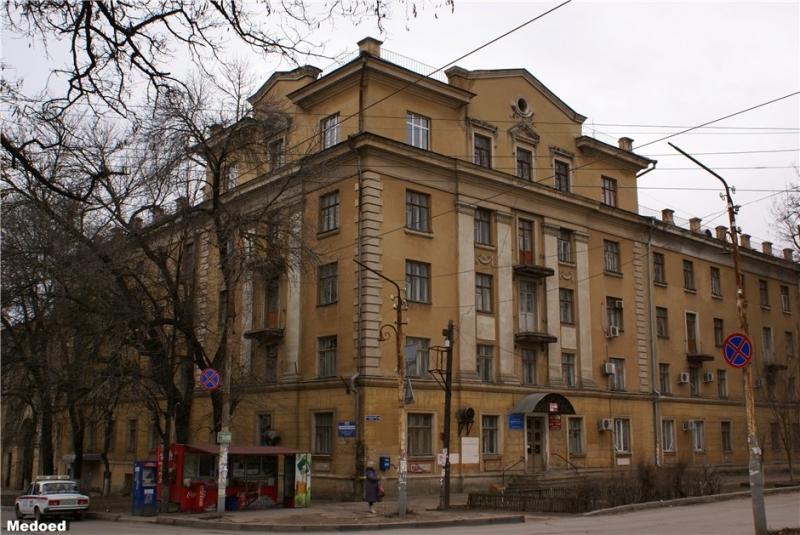 Общежитие и поликлиника НПИ