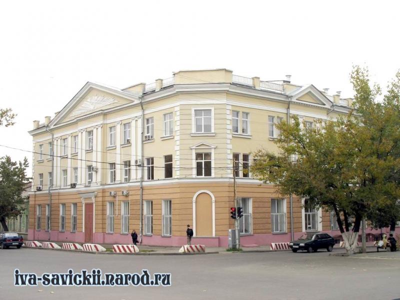 Угол Платовского и Пушкинской
