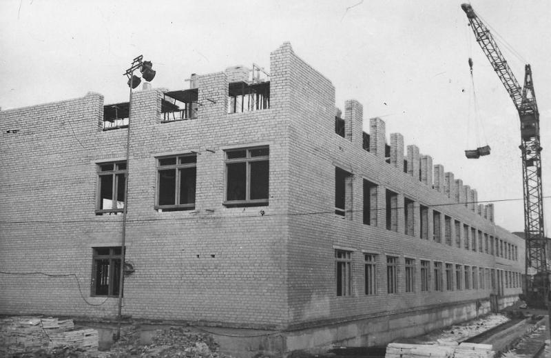 Строительство лабораторного корпуса  НПИ на месте гаража