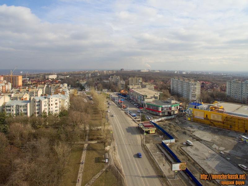 Проспект Баклановский в районе ТЦ «Поиск» и «Батон»