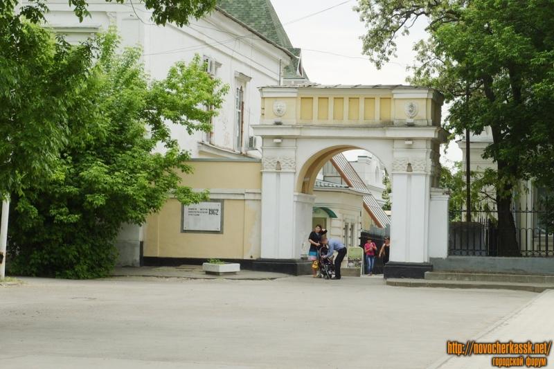 Вход в Александровский сад