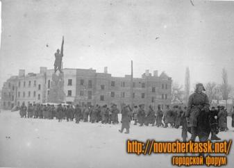 Части Красной Армии входят в город