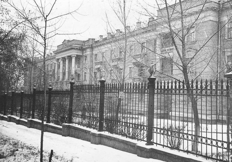 «Профессорский дом» на Богдана Хмельницкого