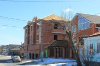 Строительство дома на углу Щорса и Ларина