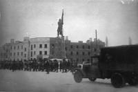 Части Красной Армии проходят по улицам освобожденного Новочеркасска