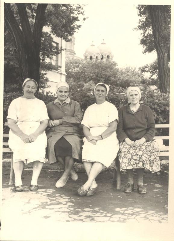 Нянечки из подпольного госпиталя в ж/д больнице г. Новочеркасска