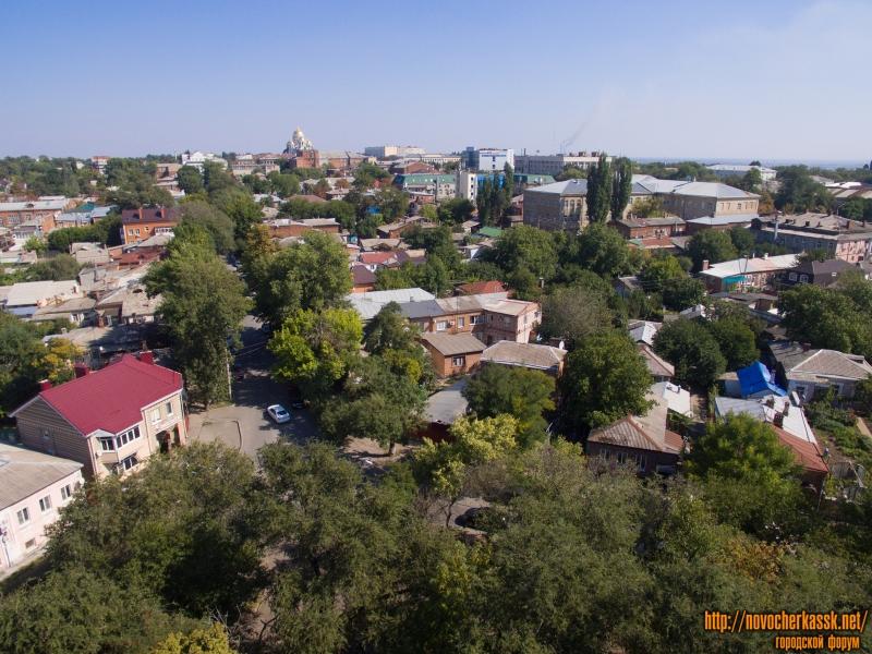 Вид с площади Левски на восток вдоль улицы им. генерала Лебедя