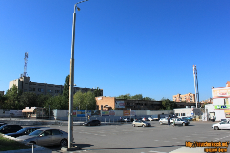 Переулок Магнитный. Слева от ТЦ «Сокол»