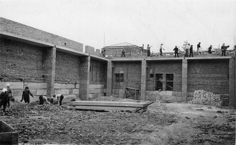 Строительство бассейна НПИ. 1966 год