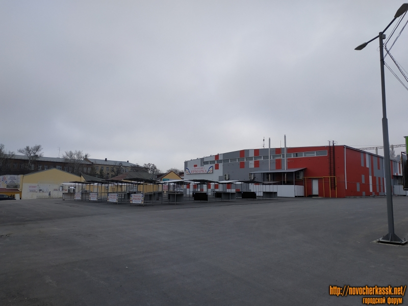 Площадка-ярмарка на пр. Платовском, возле Эльдорадо