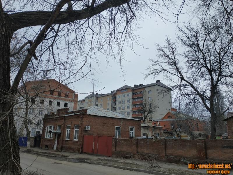 Улица Дубовского. Недостроенная многоэтажка