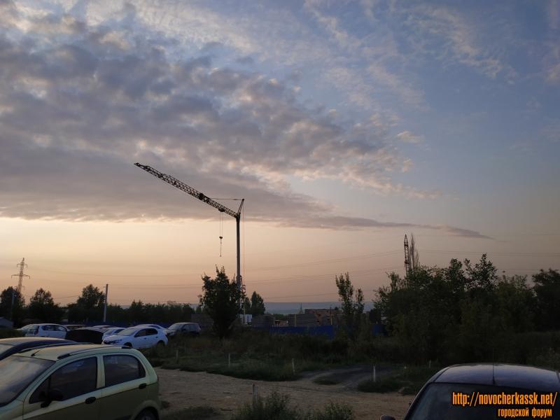 Парковка перед ул. Буденновской, 271 и строительство нового ЖК «Атаман»