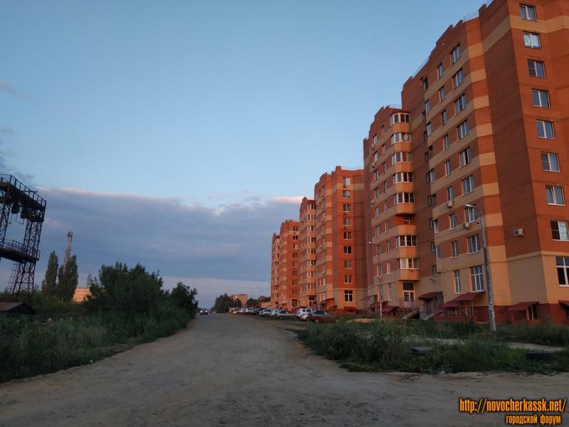 Улица Буденновская. Вид с переулка Цимлянского. Справа - ЖК «Магнитный»