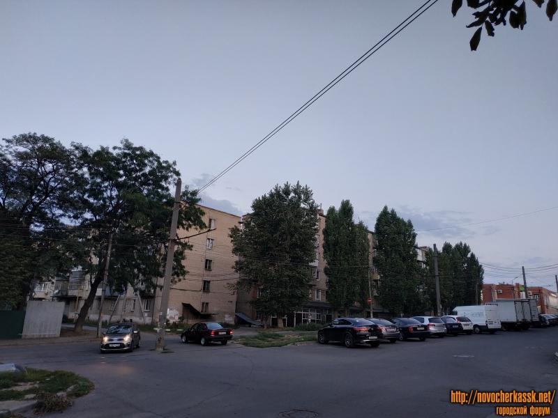 Пересечение Крылова и Народной