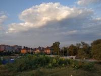Вид с Сарматского кургана на восток в сторону коттеджей по Цимлянскому переулку