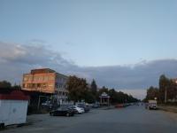 Улица Будённовская. Слева - бывшее здание завода «Магнит»