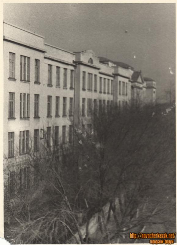 Вид на корпуса НПИ по улице Просвещения