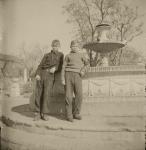 Рядом с фонтаном в Александровском парке