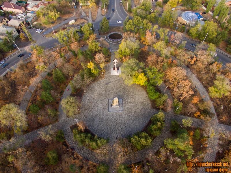 Площадь Троицкая осенью после ремонта