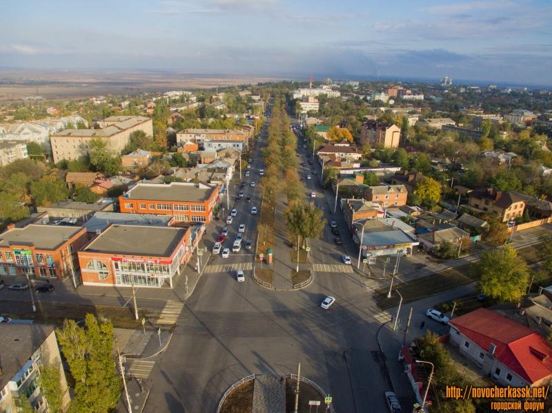 Вид на проспект Баклановский и пересечение его с ул. Крылова и пер. Галины Петровой