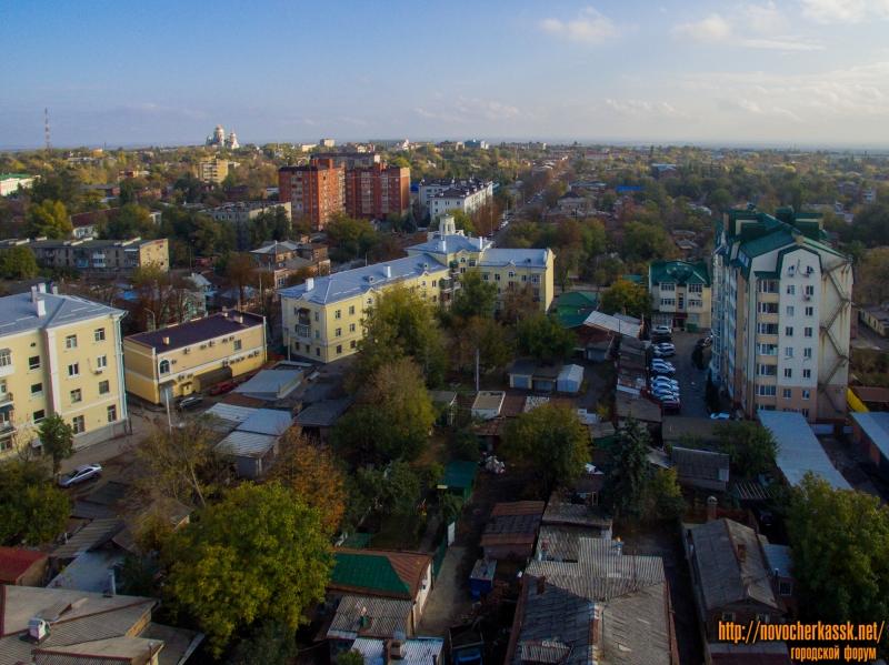 Вид на центральную часть города и дом со шпилем