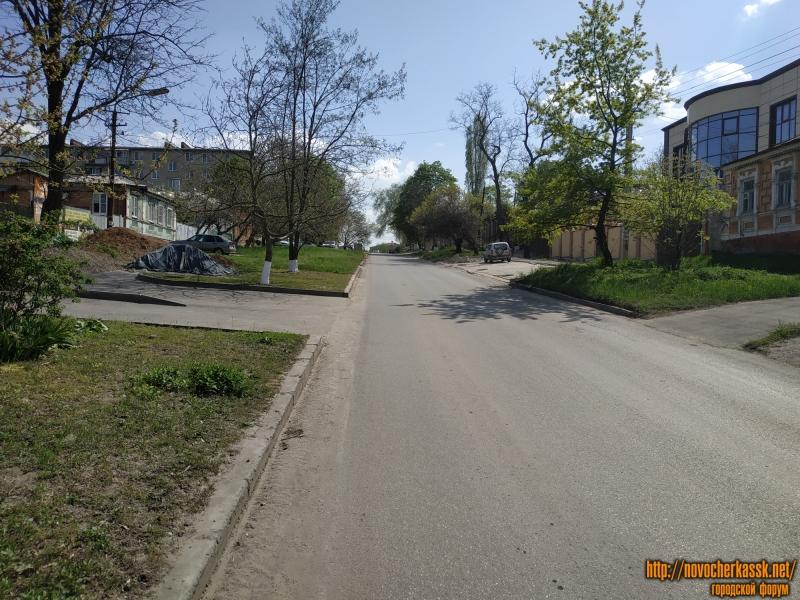 Улица Ленгника. Вид в сторону Баклановского