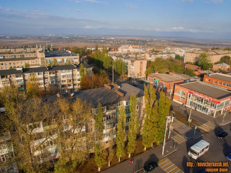 Вид на район улицы Крылова с проспекта Баклановского