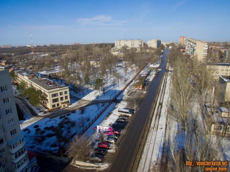 Улица Первомайская в сторону пр. Баклановского и детская поликлиника