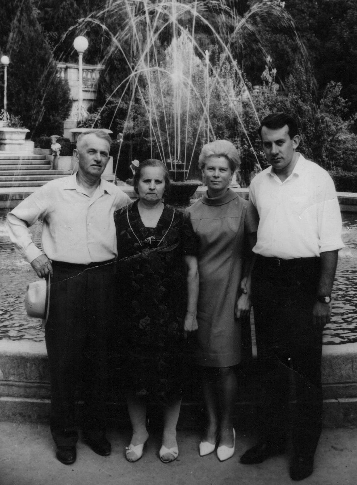Два-старших-поколения-Ермаков